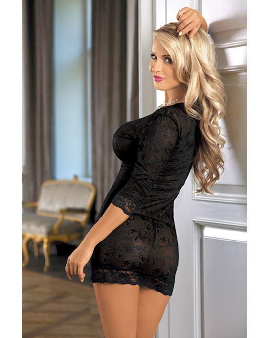 massazh-dlya-blondinka-spinoy-v-chernom-penyuare-bikini-foto-porno